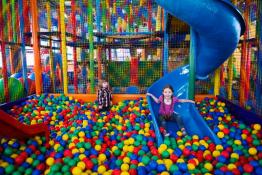 Bielsko – Biała Atrakcja Sala | plac zabaw Kraina Kropka